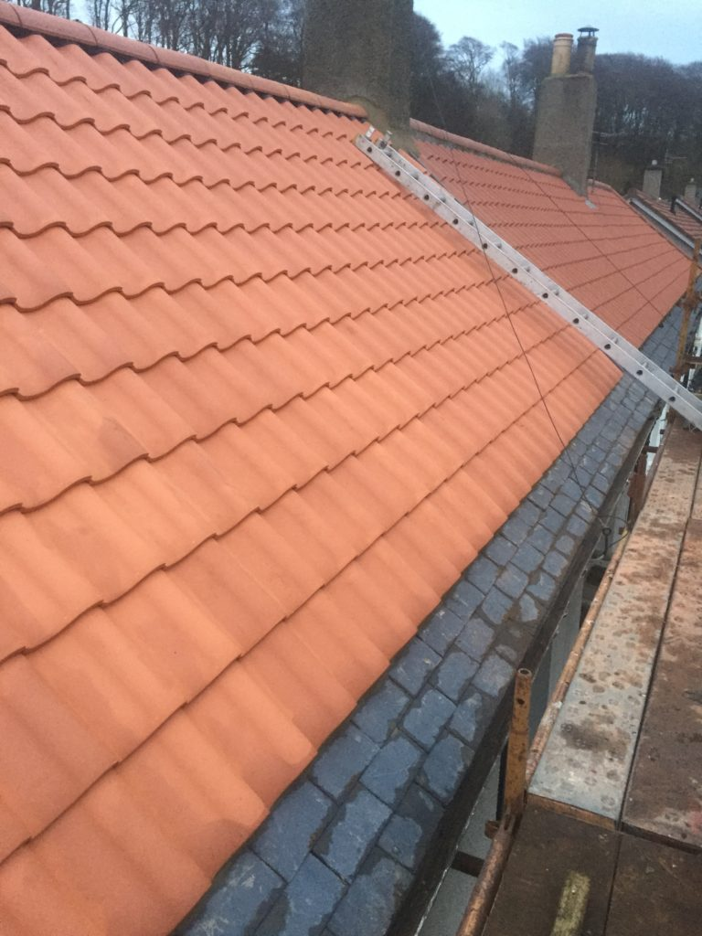 R and J Roofing Photo 40