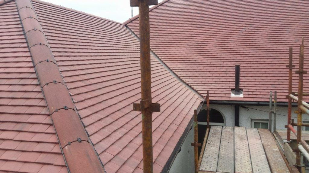 R and J Roofing Photo 21
